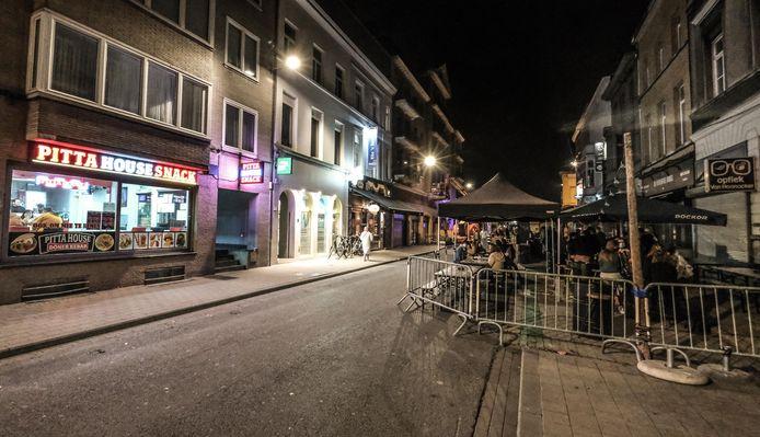 Een heel rustig einde van de laatste avond voor de algemene sluiting van de horeca in Kortrijk.