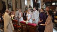 """Tweeling trouwt samen met partners tijdens dubbel huwelijk: """"We doen alles samen, dus ook trouwen"""""""