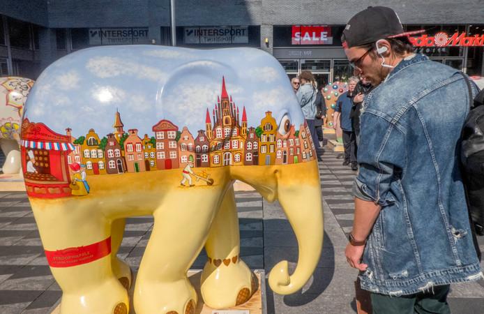 olifanten op het Pieter Vreedeplein tilburg