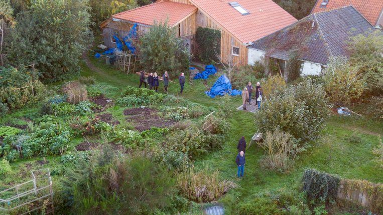 Onderzoek bij de boerderij in Ruinerwold. Beeld ANP