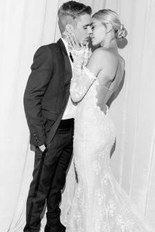 Hailey Bieber dévoile des photos de sa robe de mariée