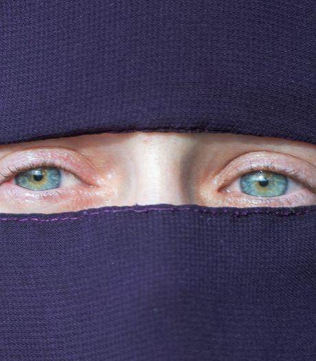 Vrouw met nikab die lijnbus werd uitgezet: 'Ik zit helemaal niet op die aandacht te wachten'