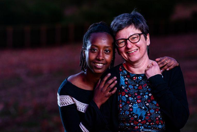 Thereza De Wannemaeker en haar adoptiemoeder Peggy Engrie getuigden afgelopen weekend in deze krant over de ernstige fouten die tijdens haar adoptieprocedure gemaakt zijn.