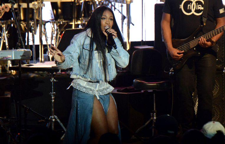 SZA tijdens het concert voor Mac Miller: 'A Celebration of Life' in Los Angeles.