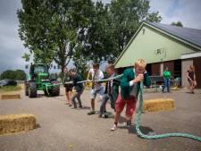 Boerenspelletjes na 105 jaar roeien in Wageningen