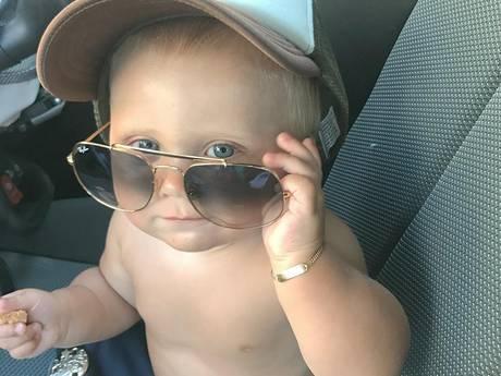 Baby Hazes niet lekker en tweelingzus zwangere Tess ook in verwachting