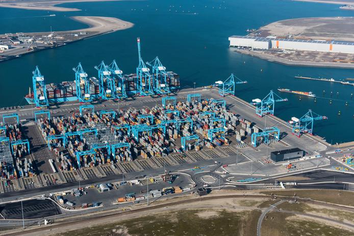 De terminal van APM op de Tweede Maasvlakte.