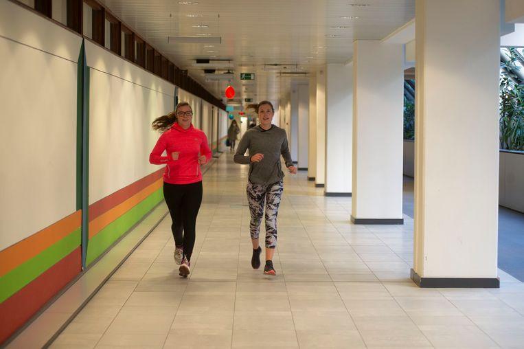 De loopwedstrijd werd gehouden in de gangen van het UZA.