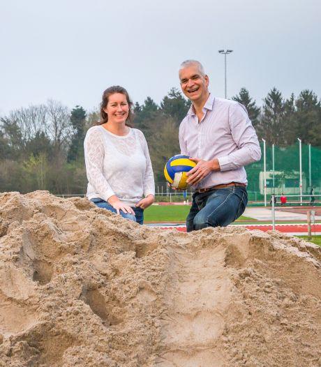Beachvolleybal arena in Roosendaal in aanbouw op Vierhoeven