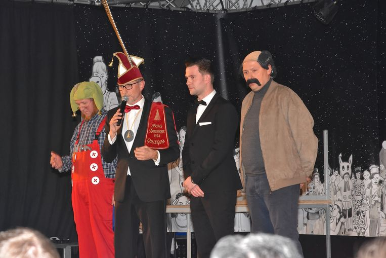Verkiezing Prins Carnaval Gullegem - de kandidaten bij de start van de verkiezing