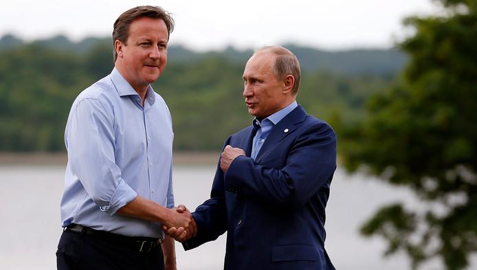 Le premier ministre britannique David Cameron et le président russe Vladimir Poutine (G8, Irlande du Nord, 17 juin 2013)