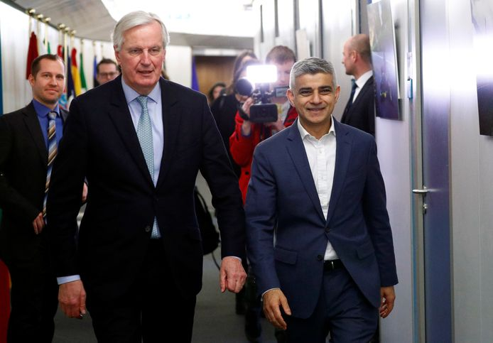 Sadiq Khan et le négociateur en chef pour le Brexit Michel Barnier ce mardi 18 février à Bruxelles.