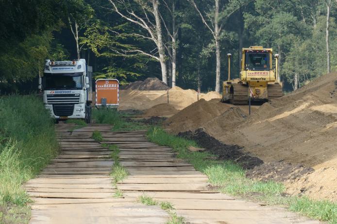 Op Landgoed Beukenhorst wordt een nieuwe regionale waterkering aangelegd.