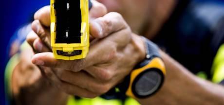 Amnesty roept op tot opschorting gebruik taser