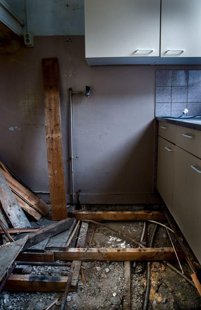 Vorig jaar bleken onder honderden woningen in Noord nog loden waterleidingen te liggen.