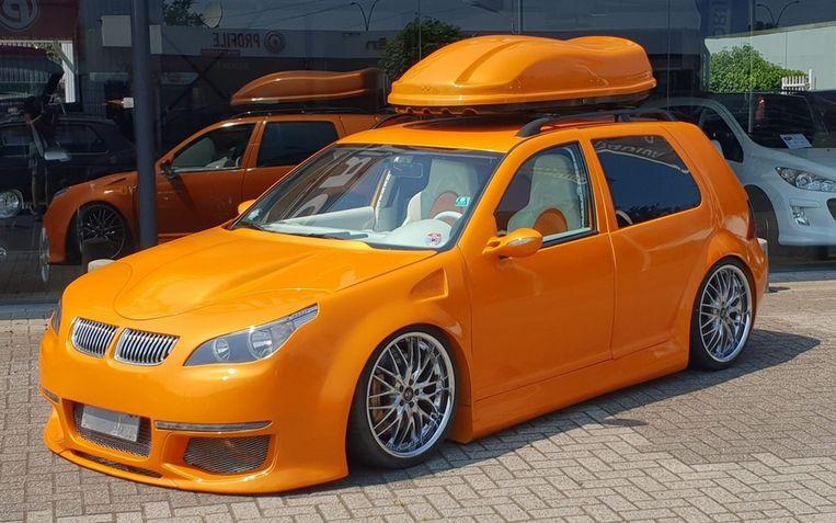 De oranje lak is volgens de verkoper van Lamborghini.