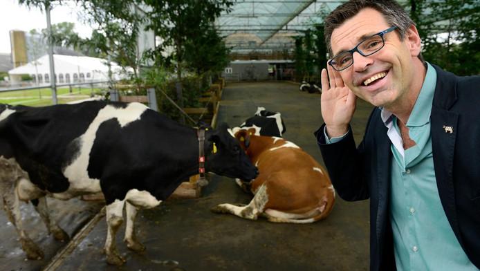 Koeienfluisteraar Joep Driessen moet lachen om alle ophef.
