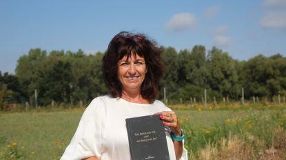 Zakenvrouw Ann (50) toont gevoelige kant in dichtbundel