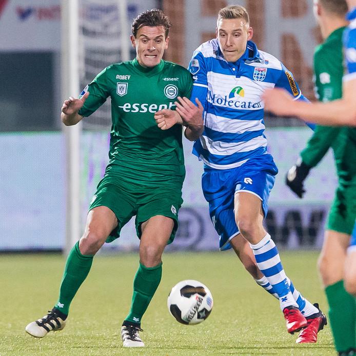 Etiënne Reijnen in actie tegen zijn oude club.