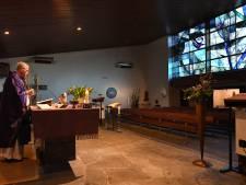 Pastoor Mill preekt voor lege kerk: 'We houden de moed erin'