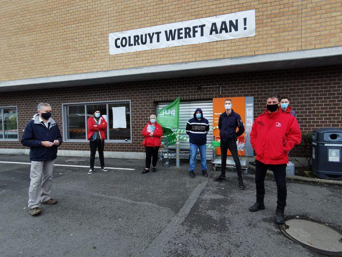 De vakbondsleden voeren maandag actie aan de Colruyt van Alsemberg.