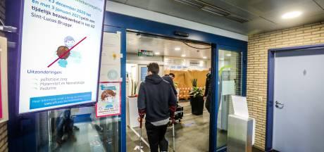 """""""Stuur wenskaartjes naar onze patiënten, ze voelen zich eenzaam"""": AZ Sint-Lucas verlengt bezoekersverbod en doet prangende oproep"""