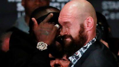 't Is Tyson Fury menens met kamp om wereldtitel: Britse bokser gaat opponent bij persvoorstelling al bijna te lijf