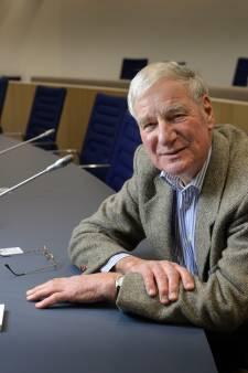Corona nekt Almelose raadsnestor Gijs Stork (79) opnieuw; 'Pas op, je kunt het ook een tweede keer krijgen!'