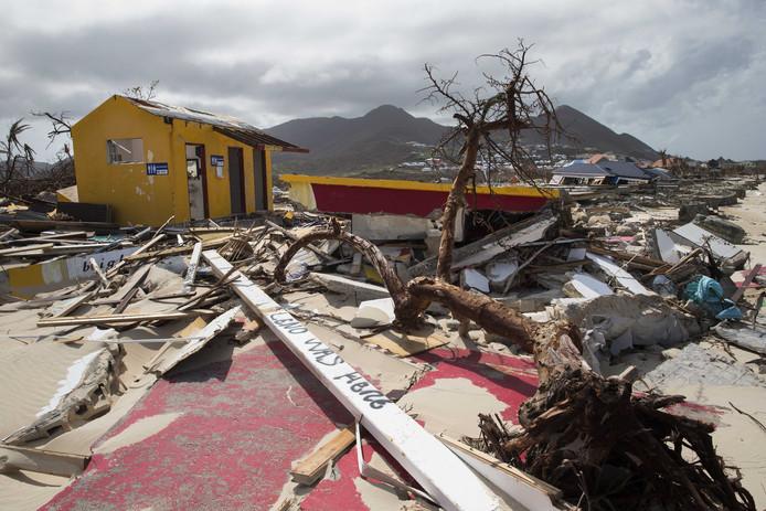Ravage op het strand van Sint-Maarten.