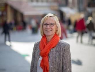 """Nicky Van Acker (CD&V) neemt afscheid van Halse gemeenteraad met duidelijke boodschap: """"Durf je politiek te engageren als je wat voor de medemens wil doen"""""""