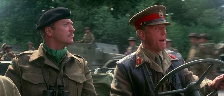 Michael Caine (links) en Edward Fox in A Bridge too Far (Richard Attenborough, 1977). Beeld