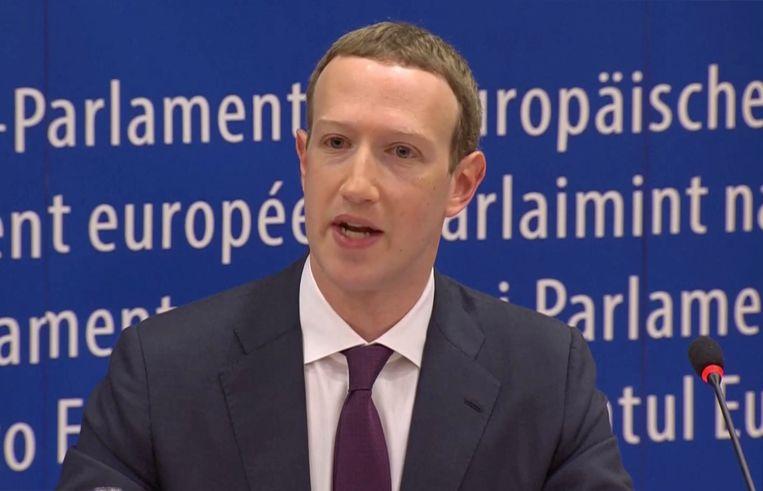 Mark Zuckerberg had maar weinig tijd om op vragen te antwoorden in het Europees parlement.