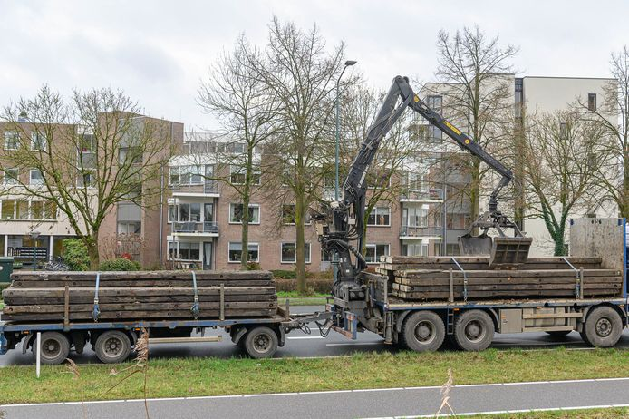 ProRail doet aangifte tegen chauffeur kraanwagen Zevenbergen