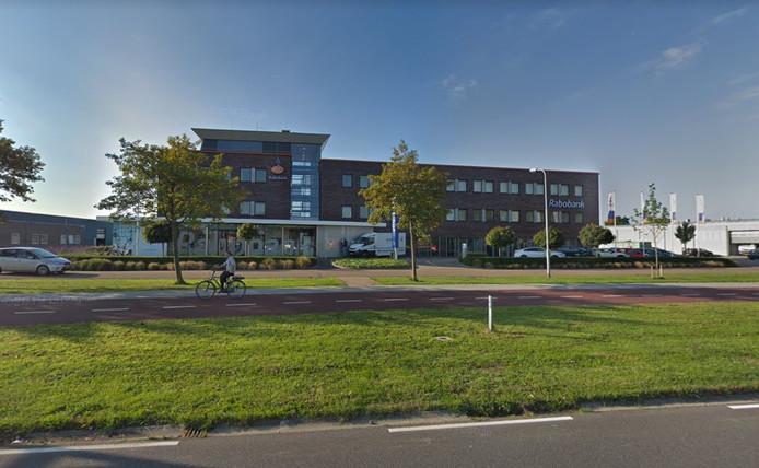 Het kantoorpand van Rabobank waarin ook de nieuwe woningcorporatie komt.