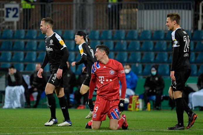 Lewandowski baalt namens Bayern.