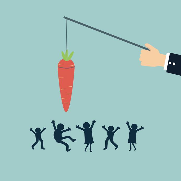 Werknemers motiveren met een beloning werkt het best, zo blijkt uit onderzoek.