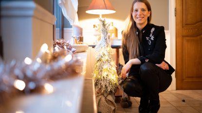 """Inès en Bart schenken kerstboom en versiering weg aan wie het financieel moeilijk heeft: """"Laat ons meer geven en minder consumeren"""""""