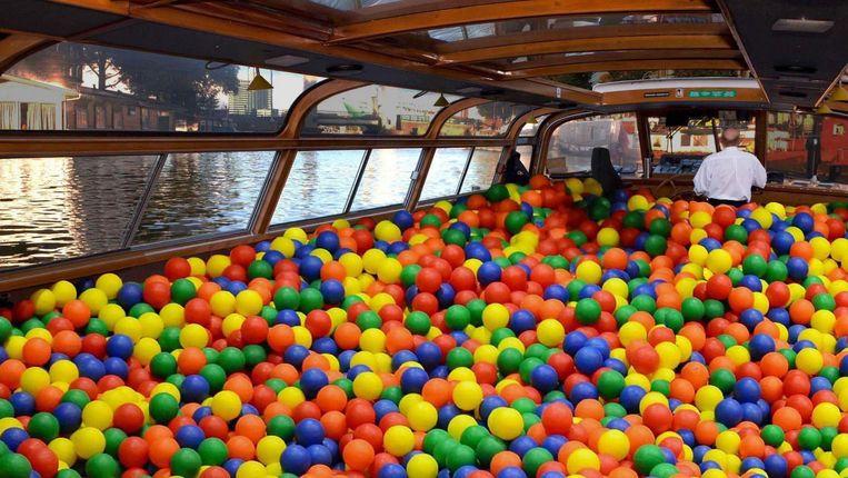 Een indicatie van de ballenbakboot van Canal Tours Amsterdam Beeld Canal Tours Amsterdam