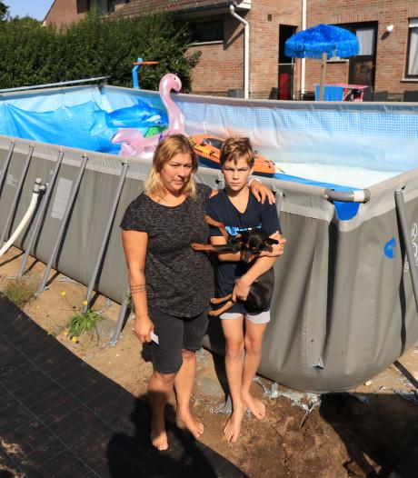 Abrupt einde aan thuisvakantie: vandalen snijden zwembad van 50.000 liter kapot