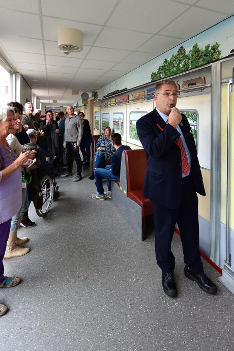 Complete treincoupe geschilderd in Roosendaals verzorgingshuis