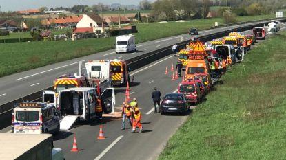 Zeker 13 gewonden bij ongeval met twee busjes met kinderen vlak bij grens met België