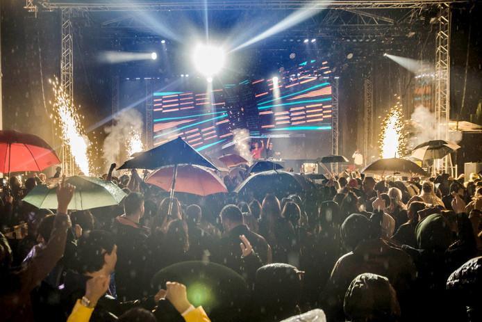 Afsluiting van Roosenkleuirg festival met DJ Seaze op de Markt. Foto Evy van Nispen.