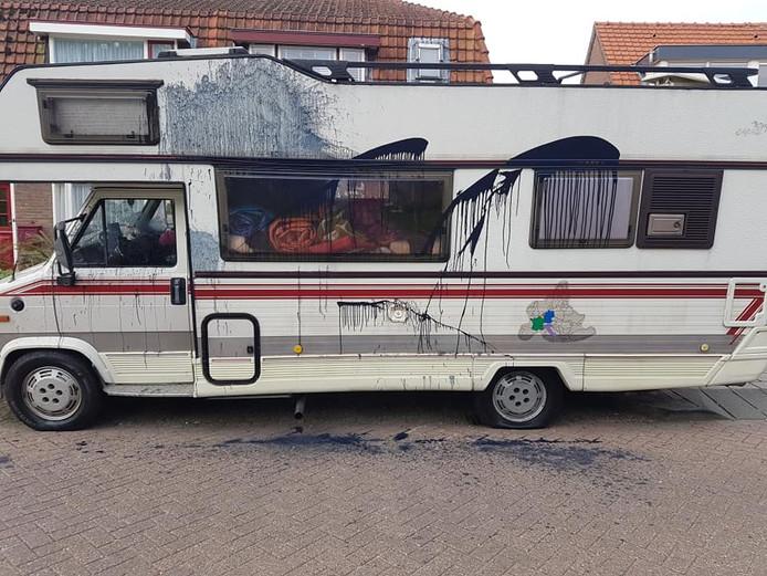 Besmeurde camper van Berry Roomenburg, Nieuwegein