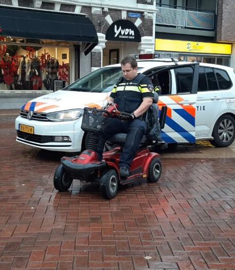 Politie houdt man op scootmobiel aan in Almelo