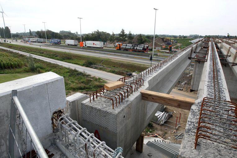 De bouw van bruggen moet voorkomen dat Assenede in twee wordt gesneden.