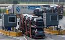 Een vrachtwagen passeert een controlepunt in de haven van Zeebrugge. De gevolgen van die Brexit voor de haven en onze provincie wil Sintobin in Brussel bespreekbaar maken.