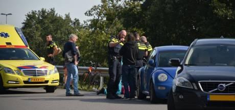Bestuurder aangehouden na botsing met fietser in Terschuur