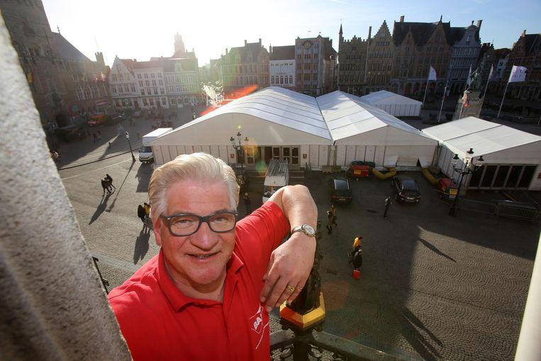 Marc Vandepitte, voorzitter van de Brugse Autonome Bierproevers, voor de grote tent.
