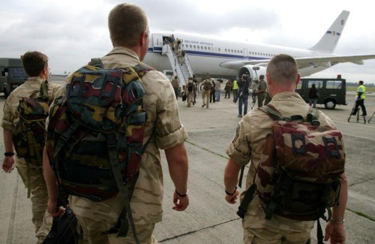 Archiefbeeld uit 2008 van het vertrek van het eerste Belgische detachement naar Kandahar.