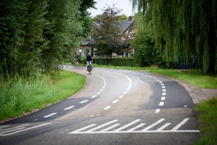 Aangepaste wegmarkering op het Boord in Nuenen